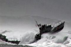 Boats & Waves - Crazy Pics
