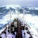 boats-waves27.jpg
