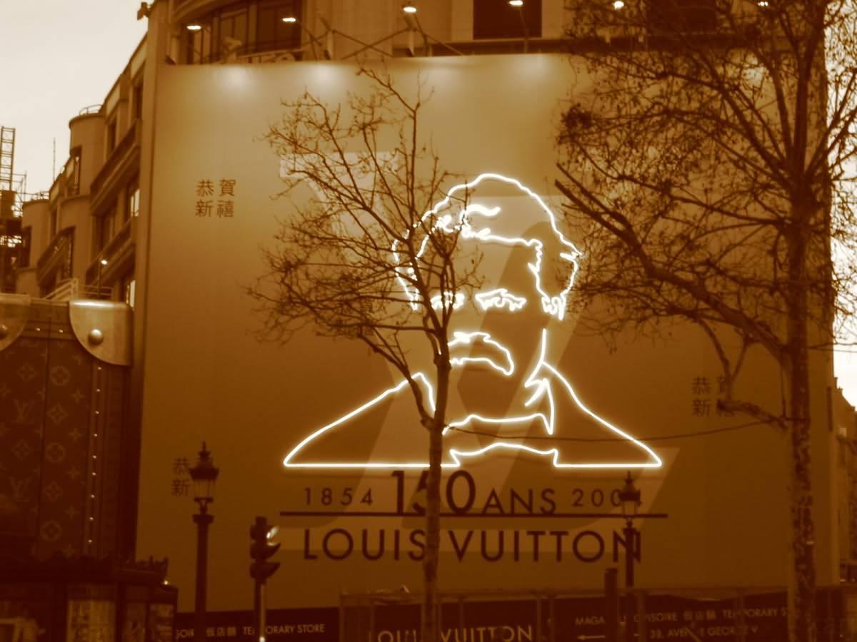 Louis Vuitton Champs Elysee Paris