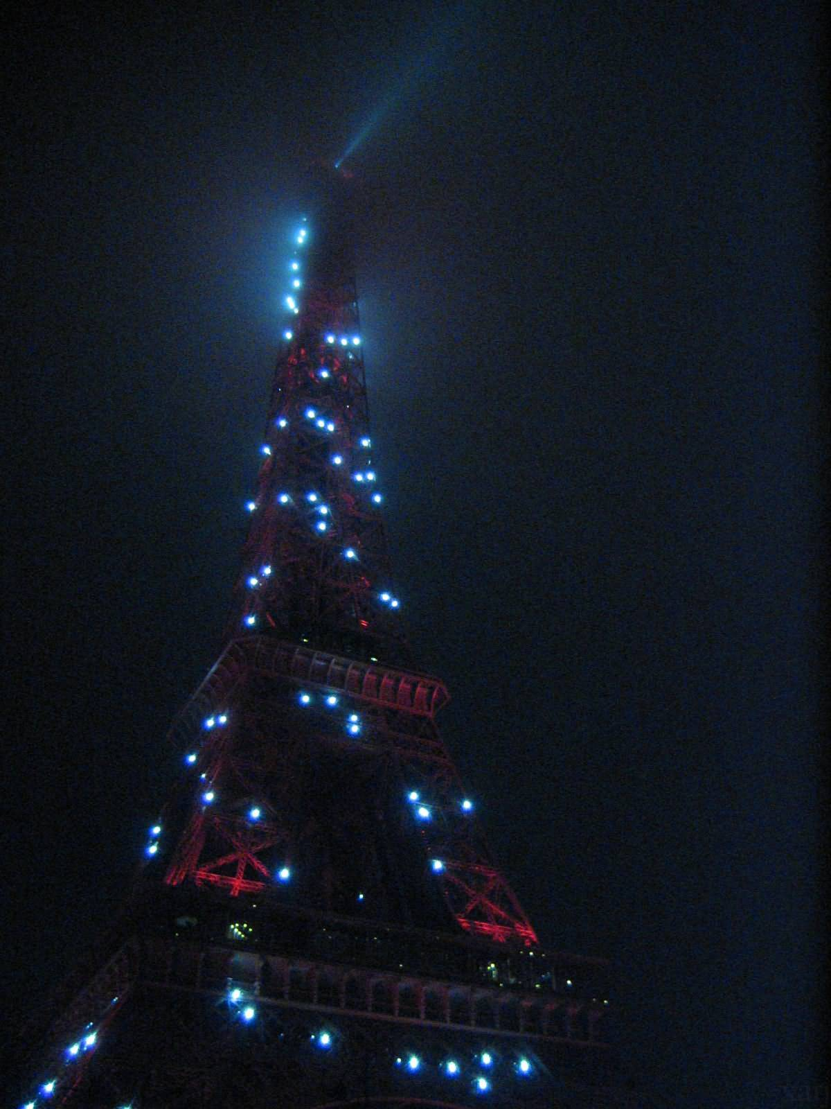 Tour Eiffel Blue Lights