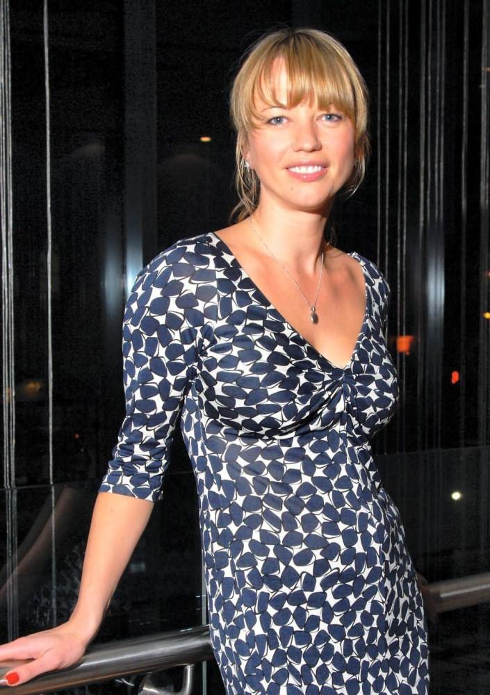 Sara Cox - Wallpaper Actress