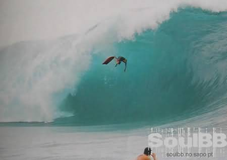 Surfer Wipes Out Extreme BodyBoard Surf