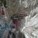 suspended-monastery03.jpg
