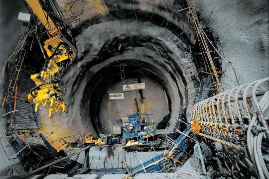 st-gothard-tunnel13.jpg