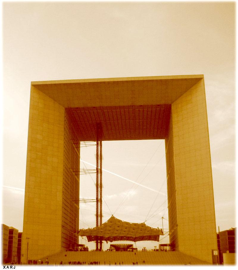 """Paris – photo of """"la grande arche de la defense"""""""