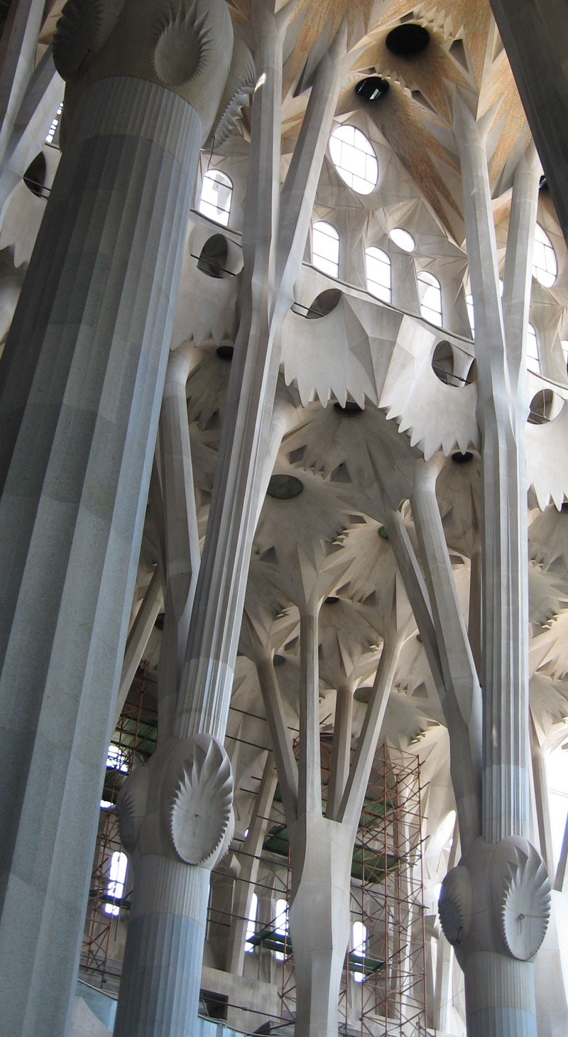 sagrada familia by antoni gaudi in barcelona spain photos and video xarj blog and podcast. Black Bedroom Furniture Sets. Home Design Ideas