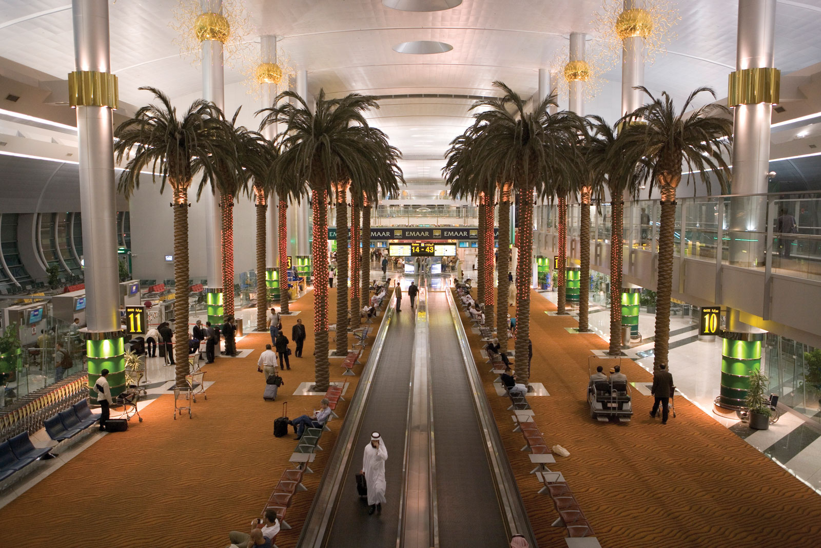dubai airport Dubai international (dxb) airport guide: terminal maps, arrival & departure times, check-in information and more.